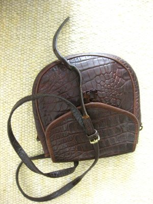 Crossover saddle bag