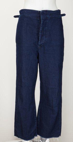 Culotte Jeans mit ausgefransten Hosenbeinen und High Waist Cut