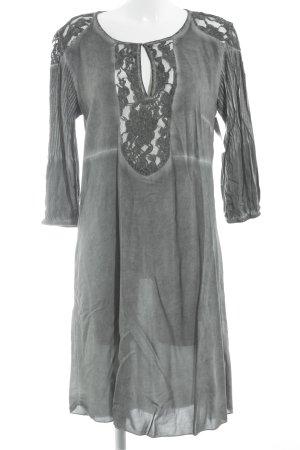 Culture Vestido camisero gris-blanco puro look casual