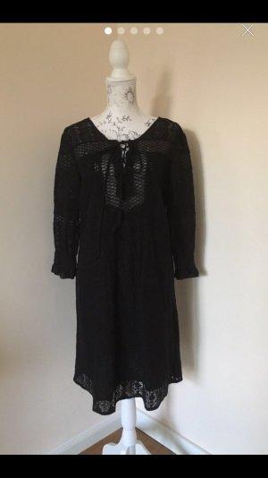 Culture Midi Dress black