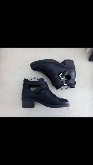 Cut Out Ankle Boots Stiefeletten Leder