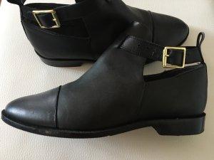 Akira Shoes black leather