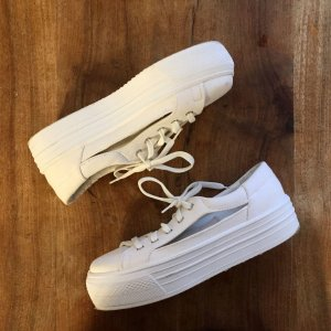 Cut Out Plateau Sneakers