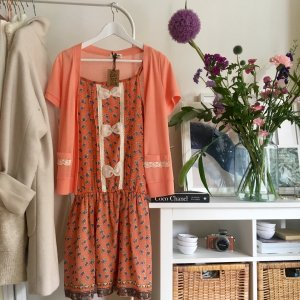 Cute cute cute spring dress from Molly Bracken