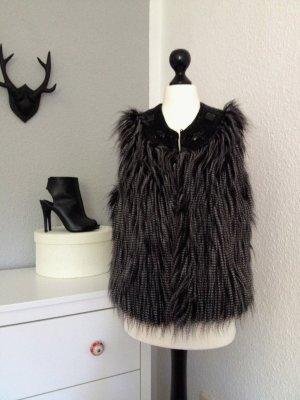 Cynthia Rowley // Designer // Fellweste // Faux Fur // Schmucksteine