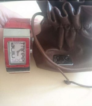 D&C Watch With Leather Strap dark red leather