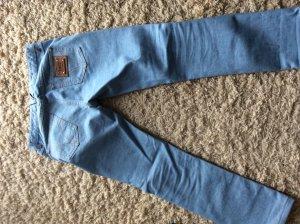 D&G Jeans Größe 26- neuwertig, nur 3 mal getragen, inzwischen zu groß