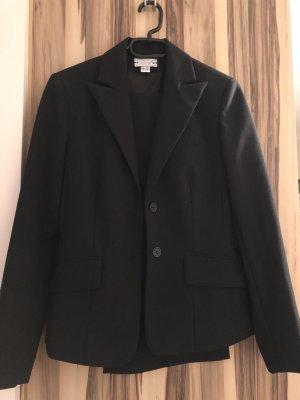 Helline Costume business noir