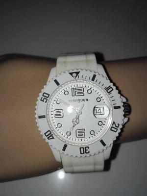 Damen Armbanduhr mit Gummi-Armband weiße Farbe. manguun