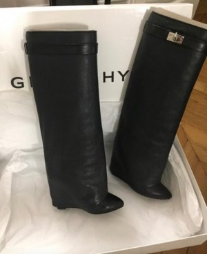 Givenchy Snow Boots black
