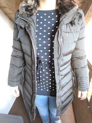 Abrigo de plumón marrón oscuro