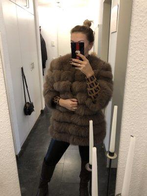 Abrigo de piel camel