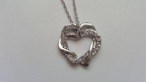 *Damen Halskette mit Herz Anhänger*