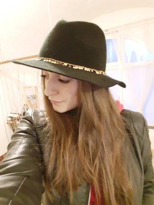 Review Cappello nero
