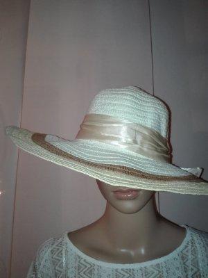Damen Hut in Creme-Weiß Farbe .