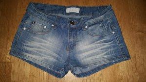 *Damen Jeans Short Gr. 36*