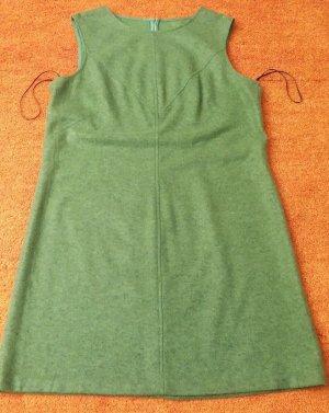 Damen Kleid aus Wollmischung kuschelig, weich mit Unterkleid Gr. M in Grün TOP
