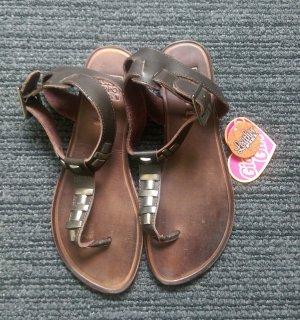 Gioseppo Flip-Flop Sandals brown
