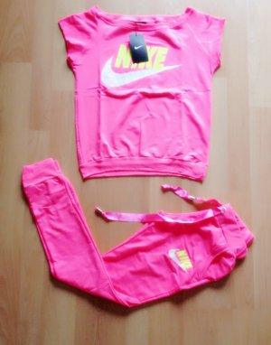 jogginganzug pink kaufen gebraucht und g nstig. Black Bedroom Furniture Sets. Home Design Ideas