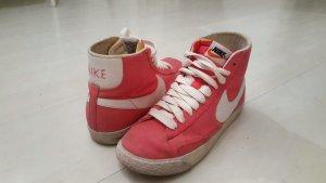 Damen Nike Blazer Mid Größe 39 / Pink / Rosa