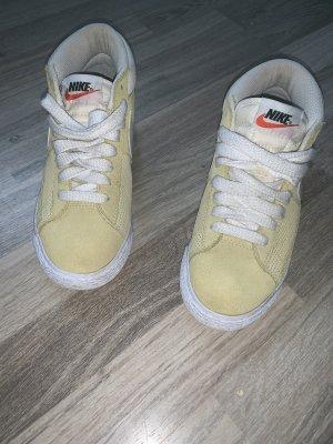 Nike Wedge Sneaker neon yellow