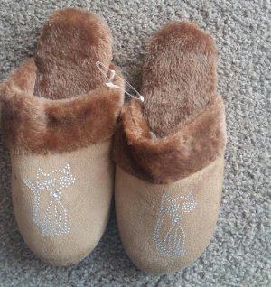 Zapatillas para casa color bronce