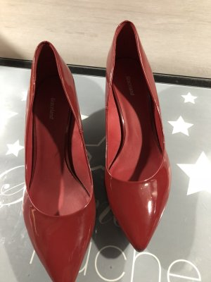 Deichmann Pointed Toe Pumps red