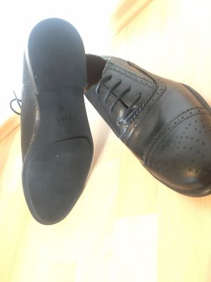 Zara Wingtip Shoes black leather