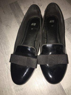 H&M Bailarinas de charol con tacón negro