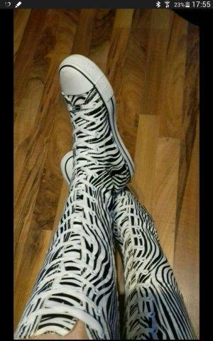 Escarpins à lacets blanc-noir