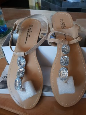 High-Heeled Toe-Post Sandals cream