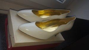 Damen Schuhe in verschiedenen Größen und Farben ganz günstig!