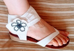 Toe-Post sandals cream imitation leather