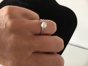 Damen Silber-Ring  mit Zirkonias und Süßwasserzuchtperle von ΞSPRIT Gr.17