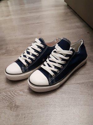 Basket bleu-bleu foncé
