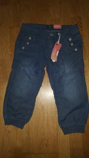 Damen Stoffhose / Capri Jeans Gr. S