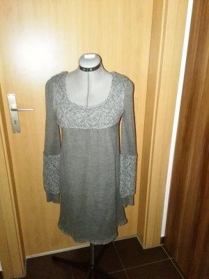 Damen-strickkleid aus Wollmischung in grau Farbe mit hellgraustrickmuster