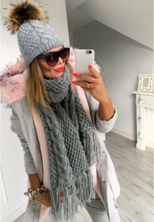 Damen Strickschal Blogger Schal Stola Überwurf Poncho Cape in grau mit Fransen