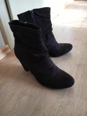 Ariane Zipper Booties black brown suede