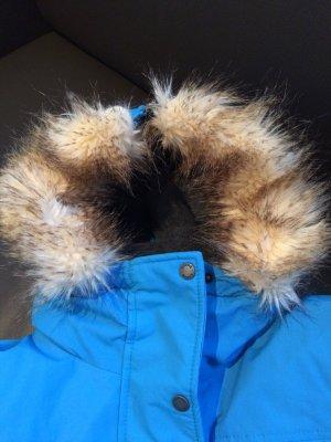 Damen Winterjacke von Bench in einem einwandfreiem Zustand mit Fellkapuze