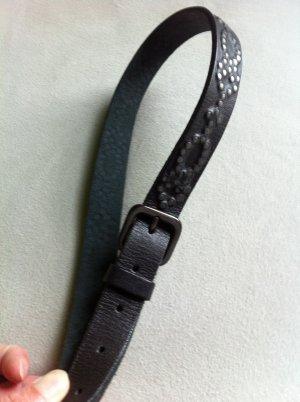 Damengürtel in grau schwarz mit Nieten