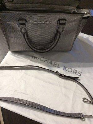 Damenhandtasche von Michael Kors im aktuellen Metalliclook
