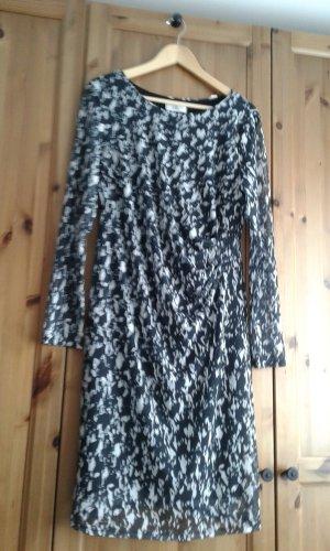 Damenkleid schwarz/weiß Gr. 44 neuwertig