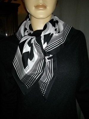 Pañoleta blanco-negro