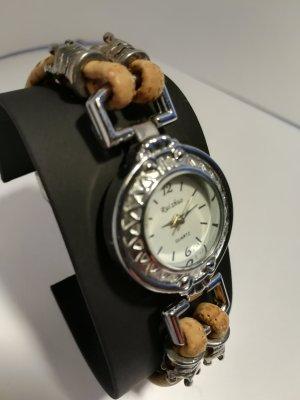 Orologio con cinturino di pelle color carne