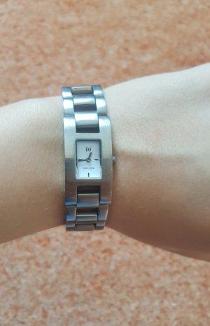 Orologio con cinturino di metallo argento