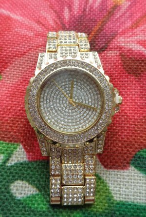 Watch With Metal Strap gold-colored stainless steel