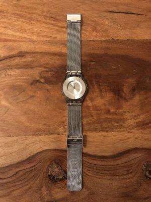 Swatch Montre avec bracelet métallique argenté