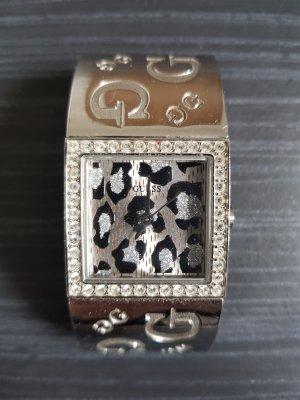 Guess Montre avec bracelet métallique argenté-gris clair