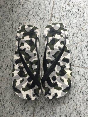DAN WARD NEU Flip Flop Camouflage